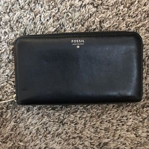Fossil Zip Around Leather Wallet